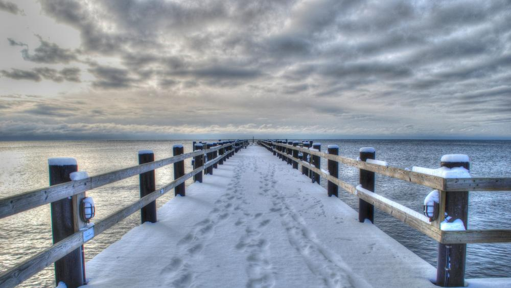 Snowy pier wallpaper