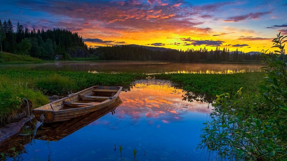 Sunrise over the lake wallpaper