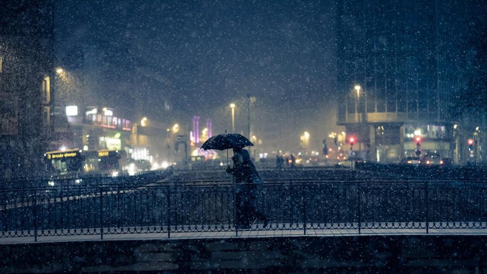 Snowfall in Paris wallpaper