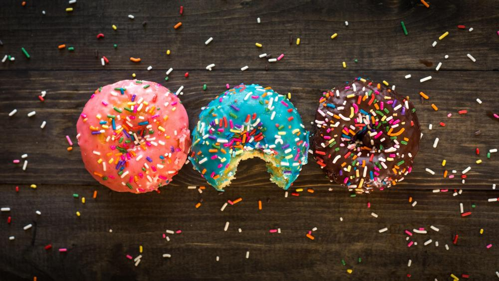 Donuts with sprinkles wallpaper