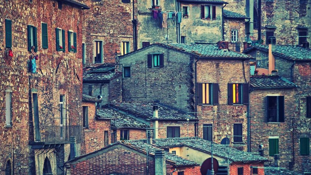 Tuscanian town wallpaper