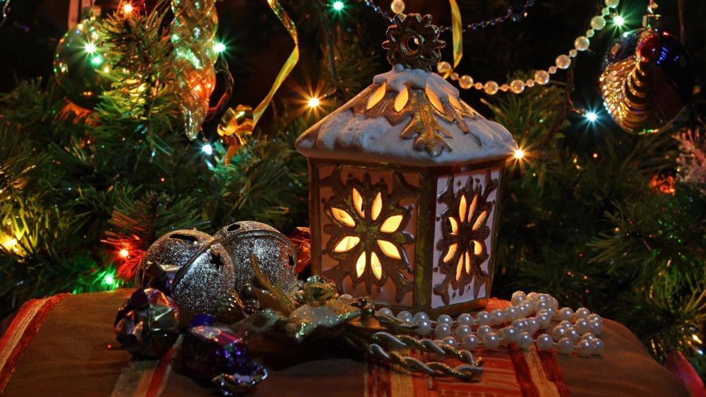 Christmas lantern and Christmas tree  wallpaper