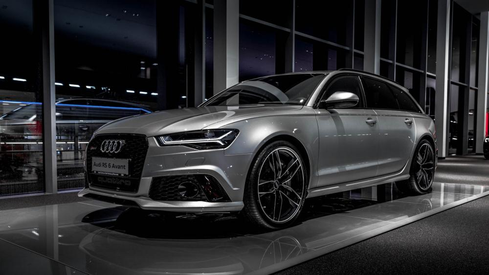 Silver Audi RS 6 wallpaper