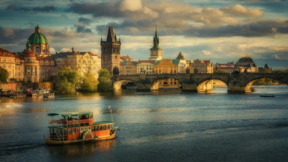 The Charles Bridge in Prague wallpaper