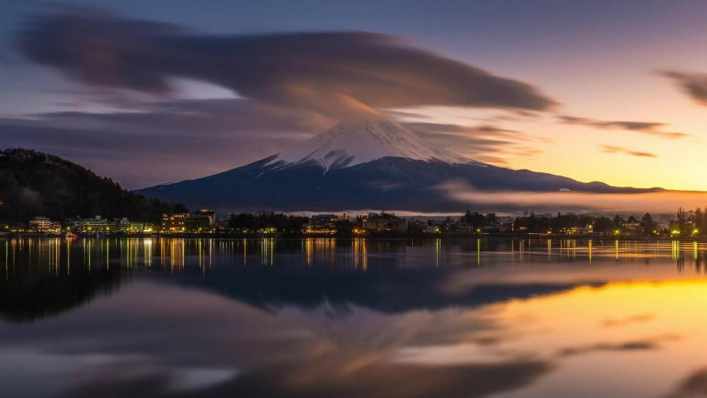 Lake Kawaguchi and Mount Fuji wallpaper