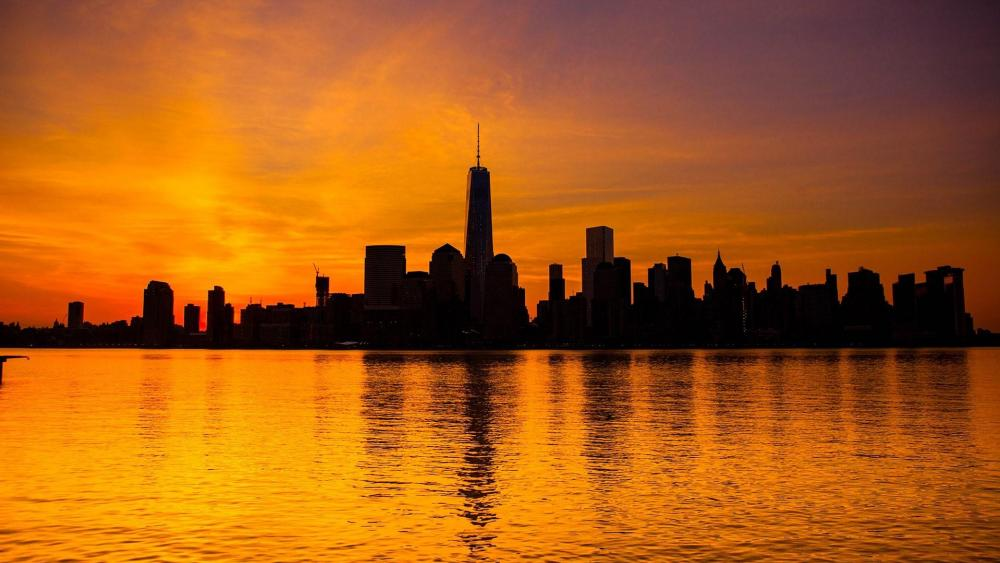 One World Trade Center silhouette in the sunset wallpaper
