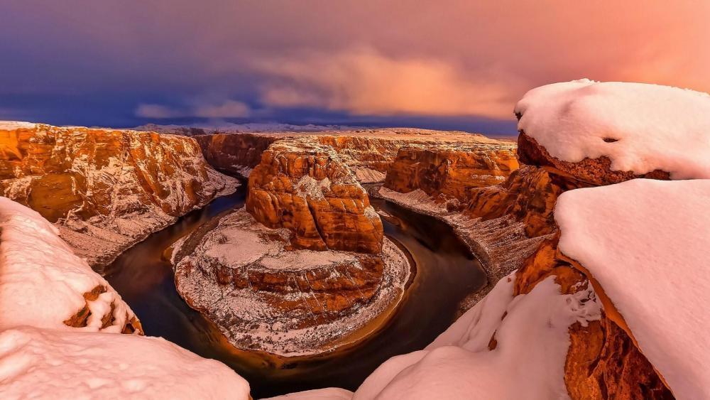 Colorado River Horseshoe Bend in winter wallpaper