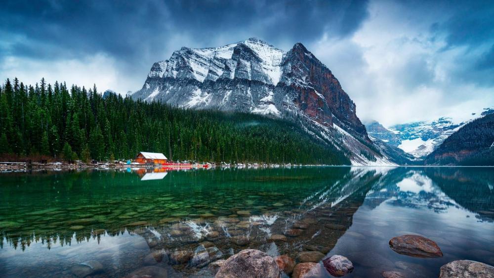 Lake Louise - Banff National Park wallpaper