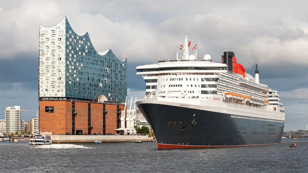 Hamburg Queen Mary 2 wallpaper