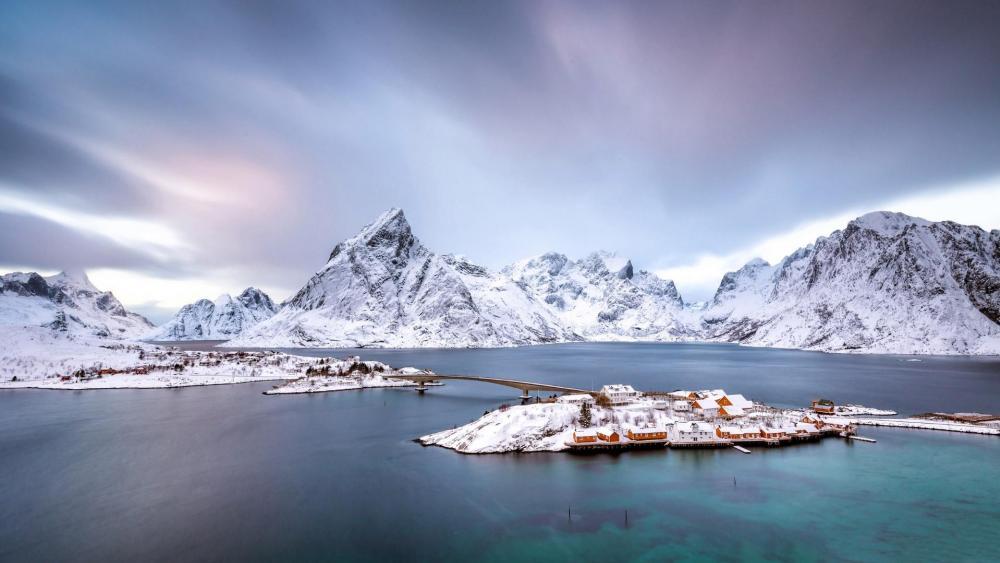 Sakrisoya - Reine, Norway wallpaper
