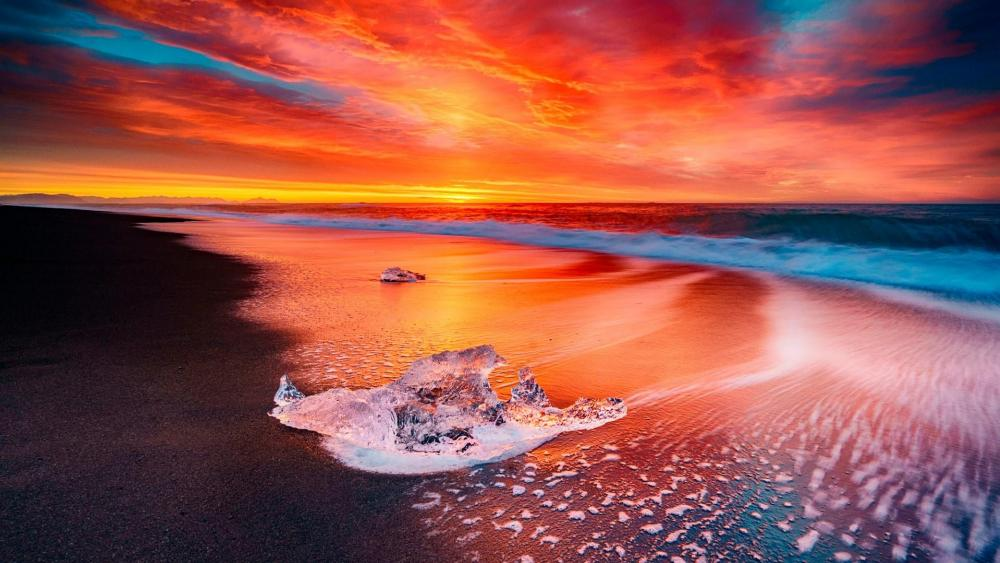 Icy beach in Iceland wallpaper