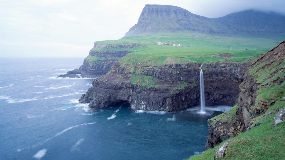 Múlafossur Waterfall, Gásadalur wallpaper