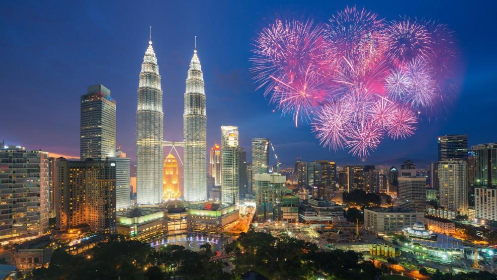 Petronas Twin Towers -  Kuala Lumpur, Malaysia wallpaper