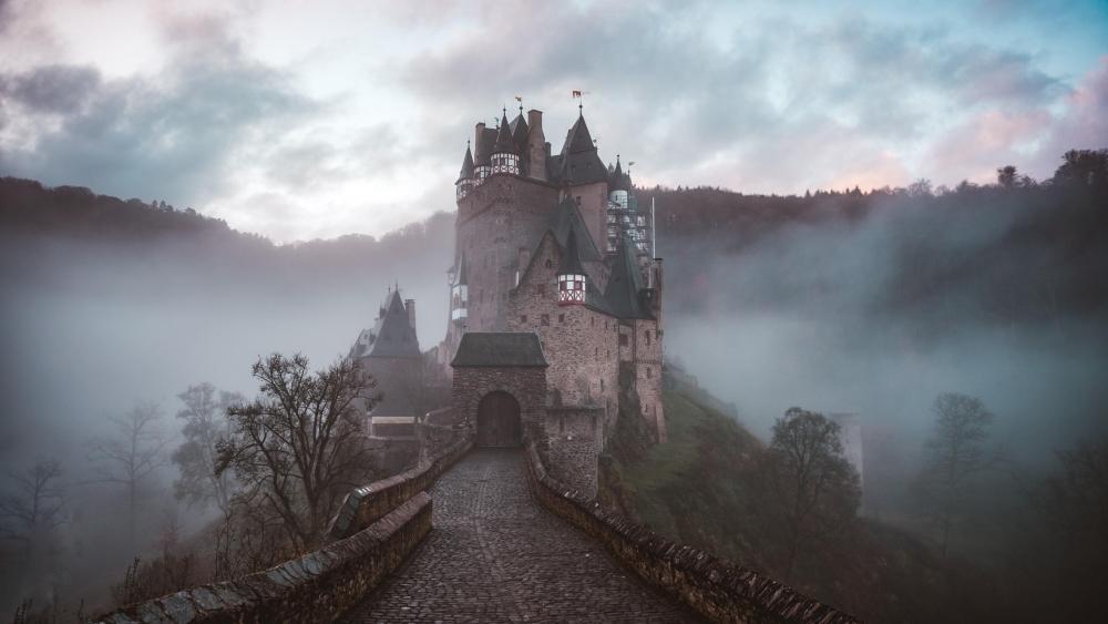 Eltz Castle - Germany wallpaper