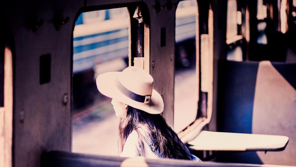 Girl in hat wallpaper