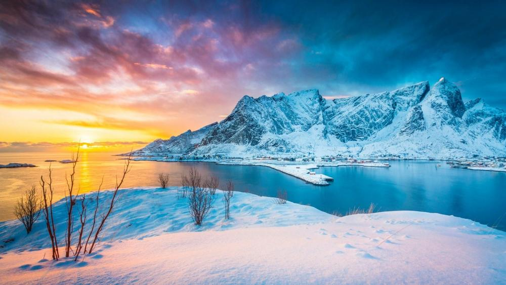 Sakrisoya island (Reine, Lofoten, Norway) wallpaper