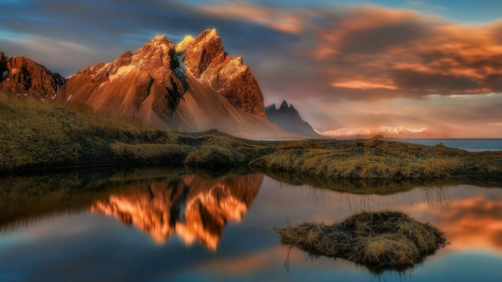 Vestrahorn reflection wallpaper