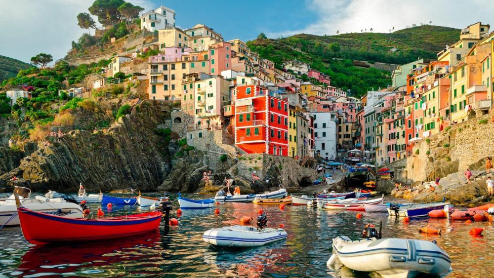 Riomaggiore - Cinque Terre wallpaper