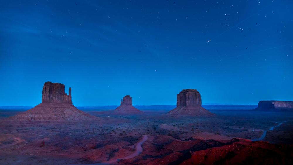 West and East Mitten Buttes at night wallpaper