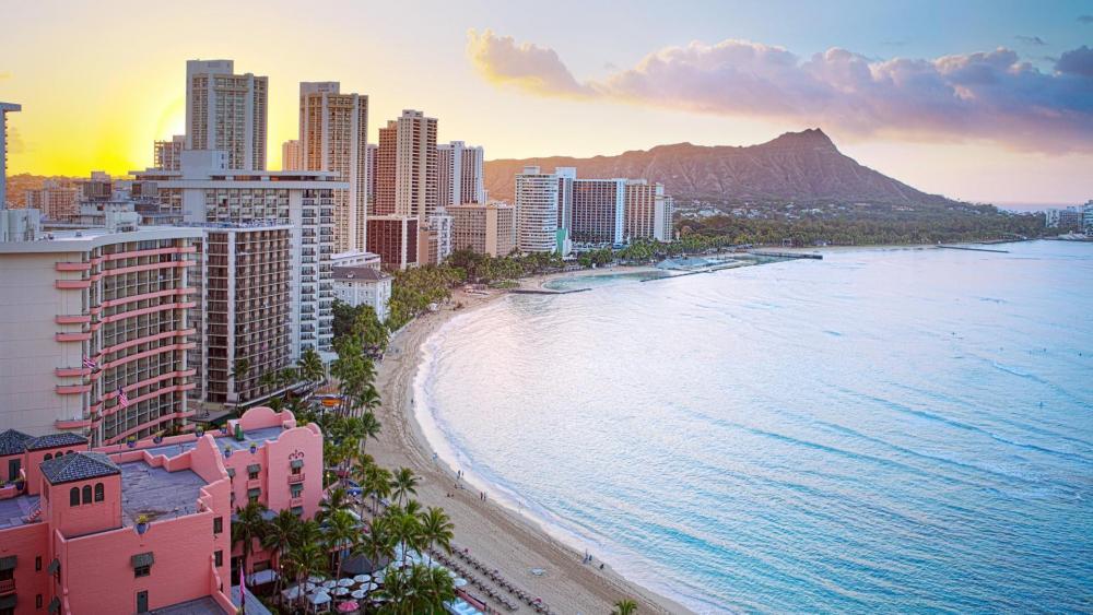 Waikiki beach - Oahu Island, Hawaii wallpaper