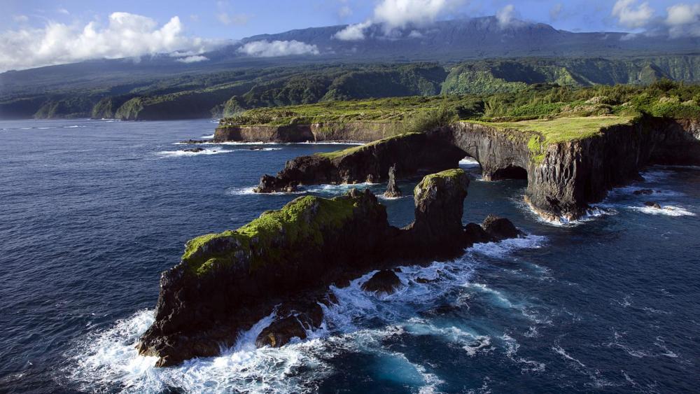 Kauai, the island of Jurassic Park (Maui, Hawaii) wallpaper
