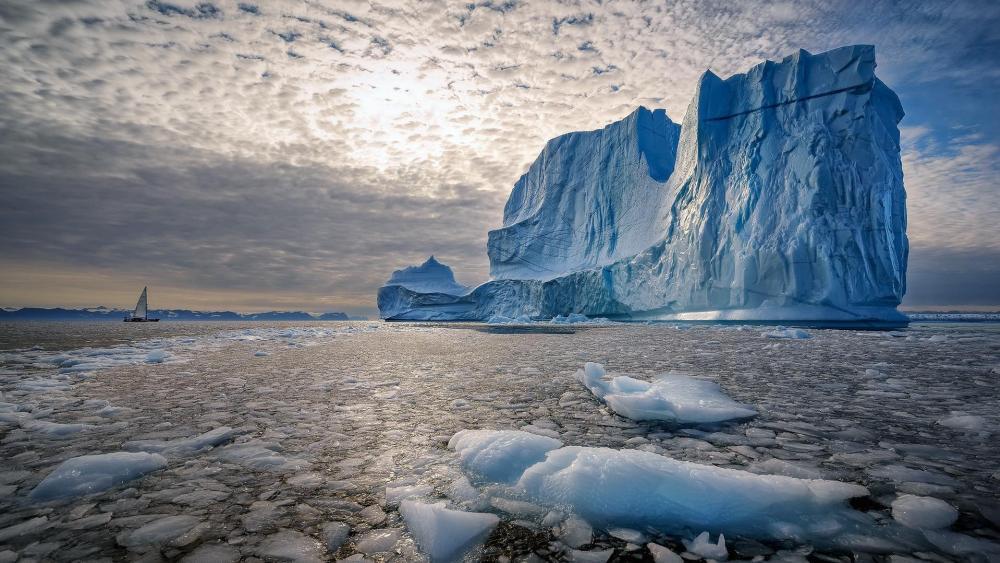 Iceberg in Greenland wallpaper
