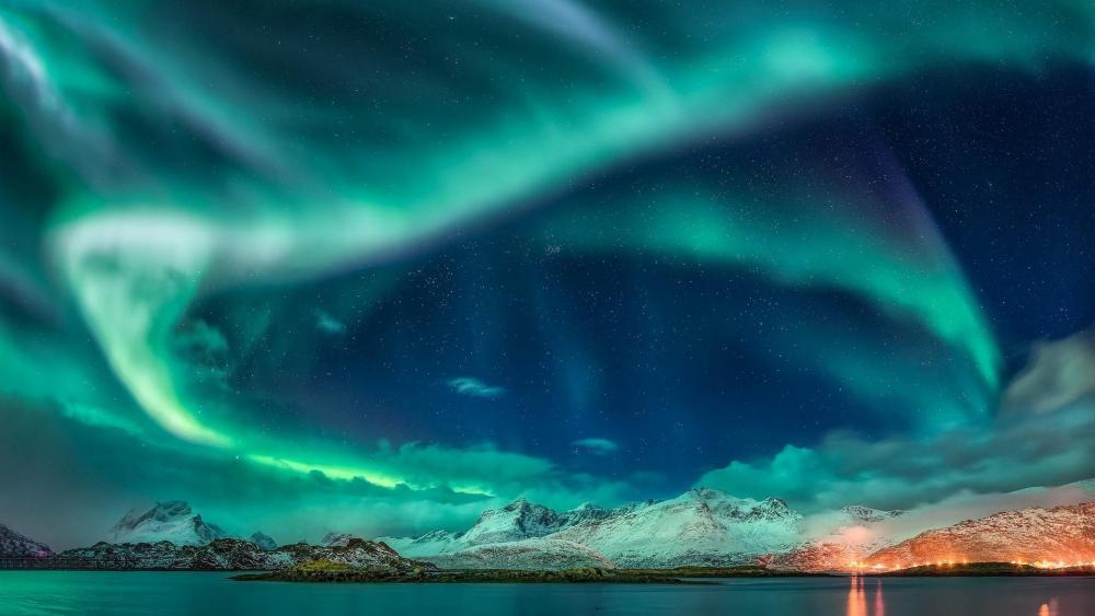 Green Aurora Borealis over Torsfjorden, Norway wallpaper