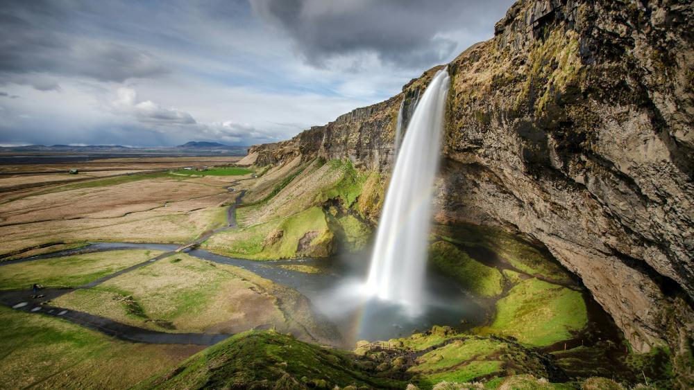 Seljalandsfoss, Iceland wallpaper