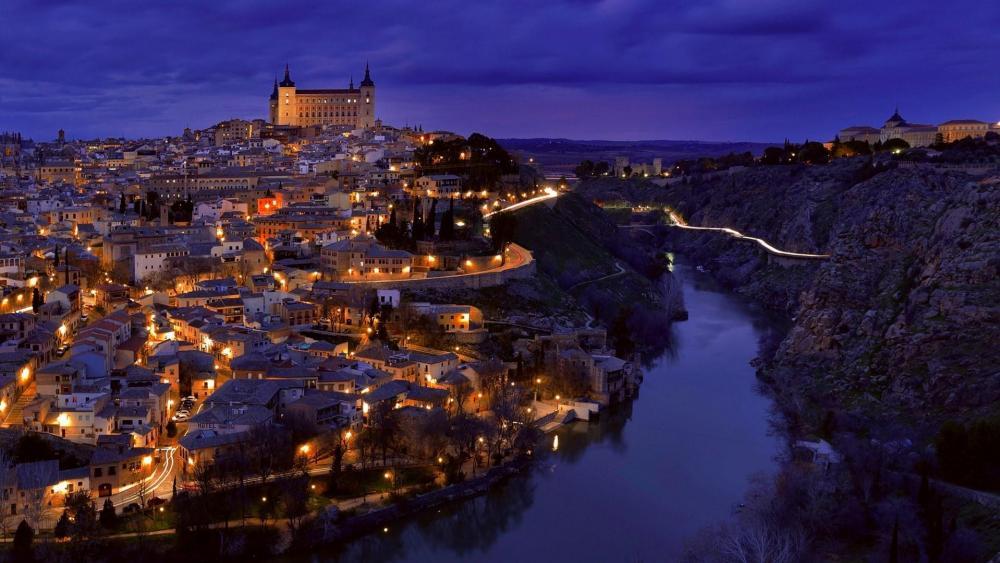 Toledo at night wallpaper
