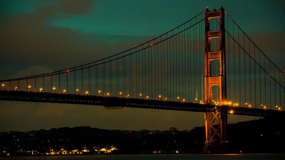 Golden Gate Bridge at dusk wallpaper