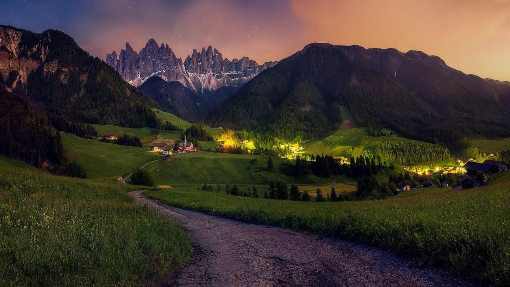 Funes valley in the Dolomites wallpaper