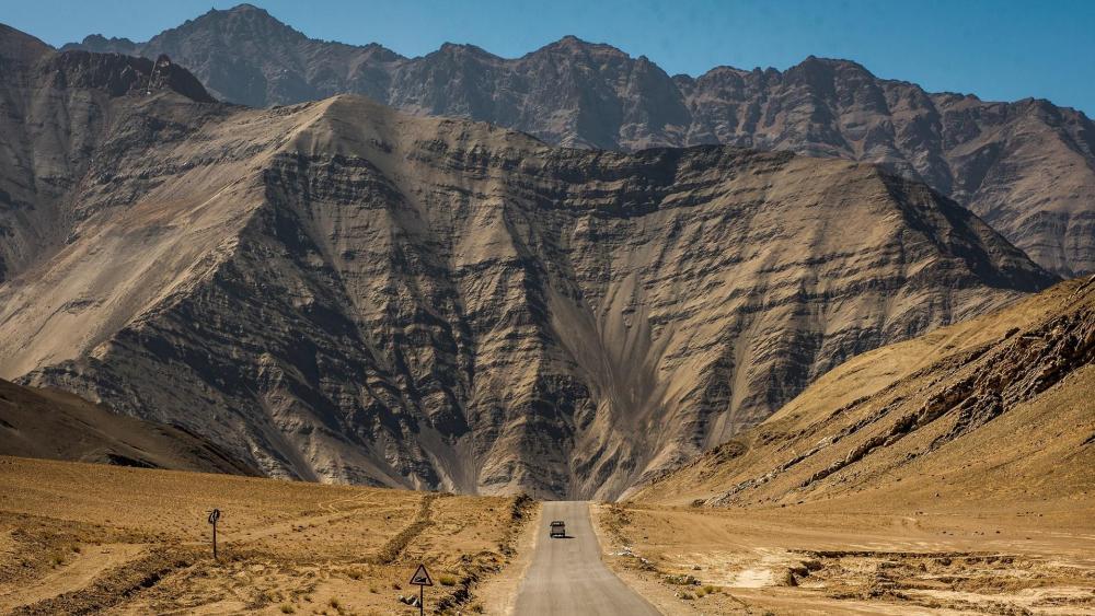 Road to Himalayas, India wallpaper