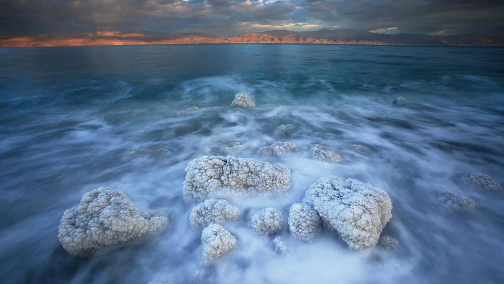 Cloudy Dead Sea wallpaper