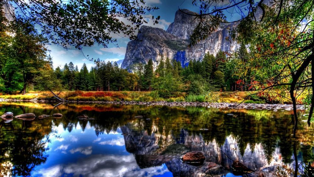 Merced River Yosemite reflection wallpaper