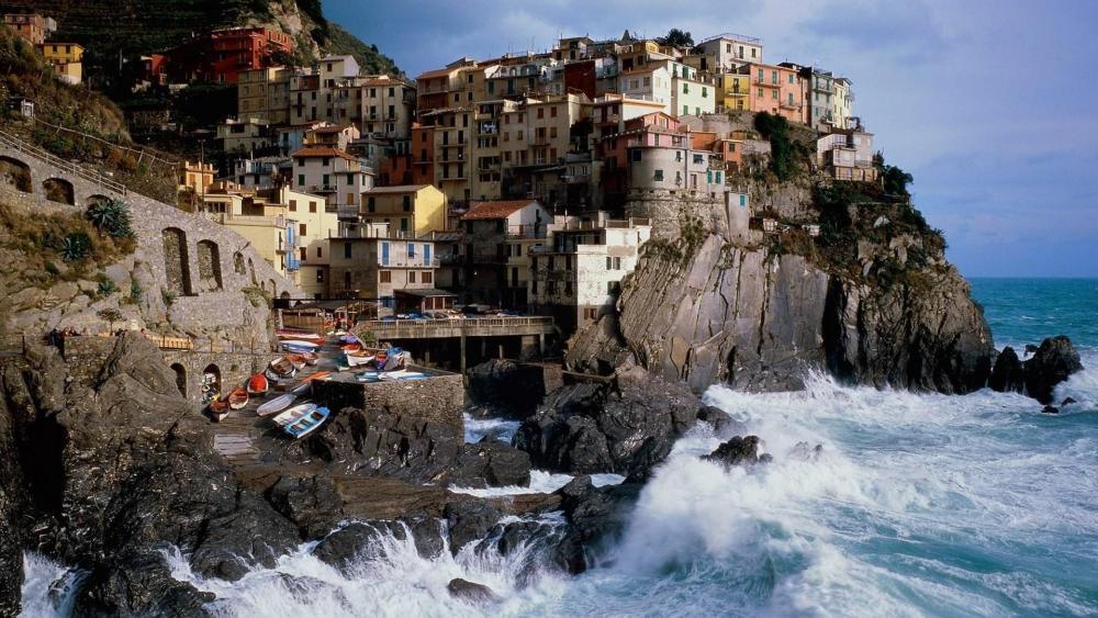Manarola in Cinque Terre, Italy wallpaper