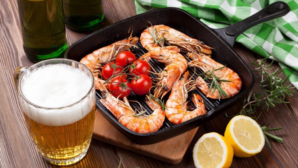 Shrimp with beer wallpaper