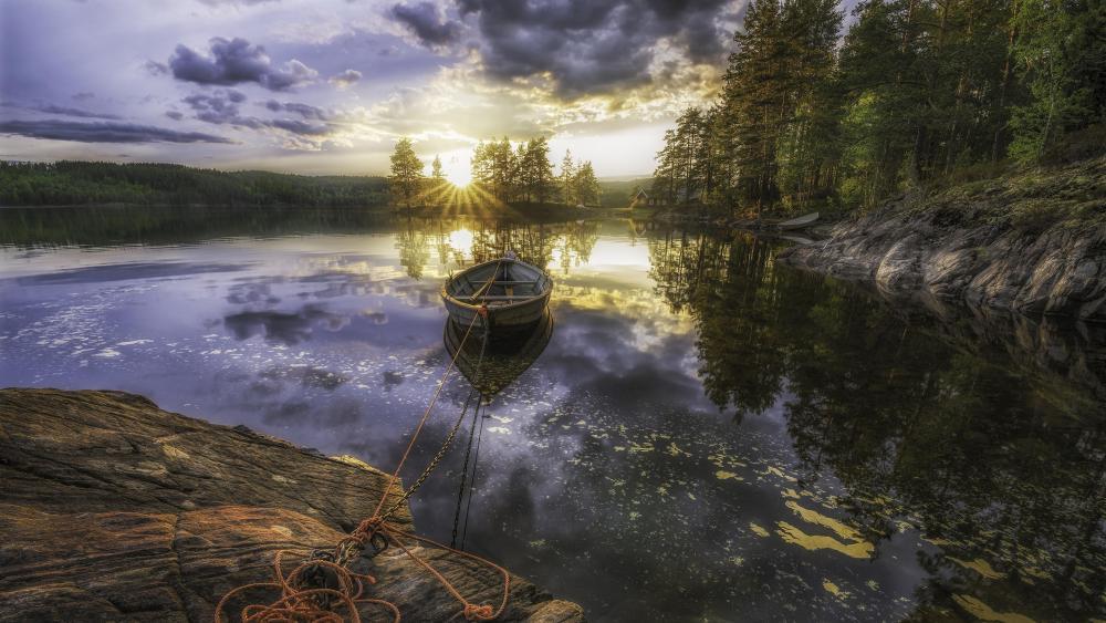 Morning reflection (Ringerike, Norway) wallpaper