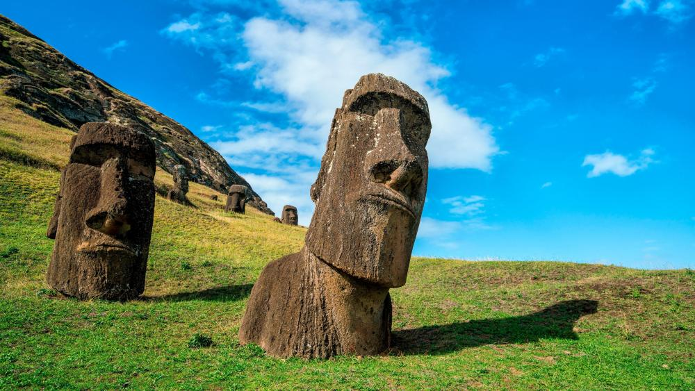 Rapa Nui Easter Island wallpaper