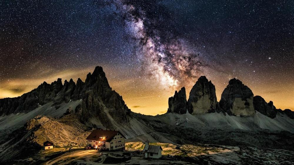 Tre Cime di Lavaredo under the Milky Way wallpaper