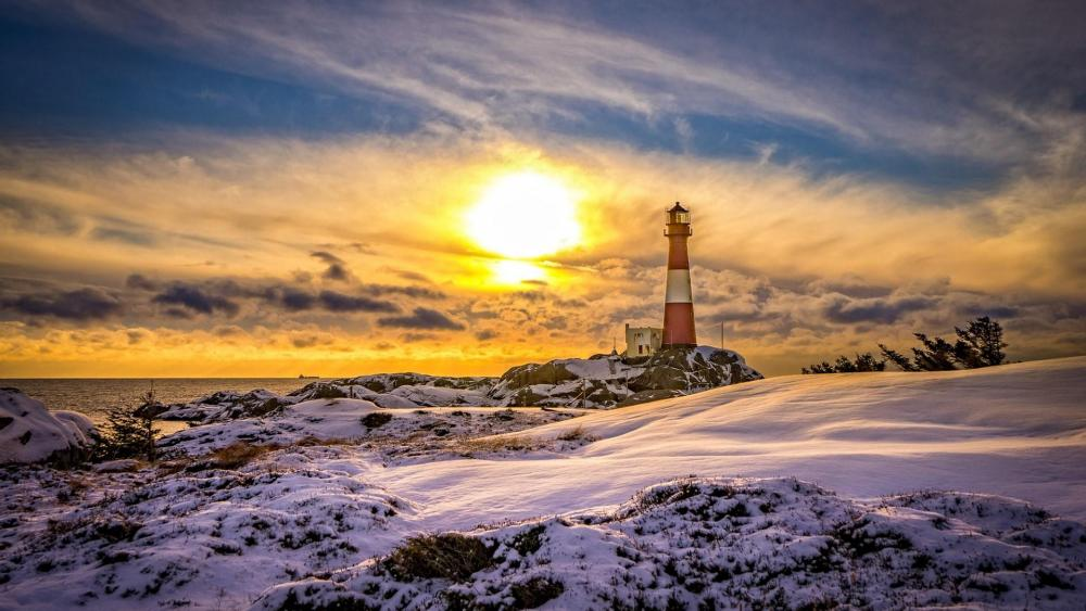 Eigerøy Lighthouse in winter (Rogaland, Norway) wallpaper