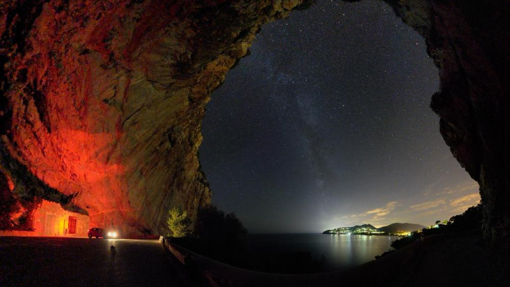 The starry sky in the cave wallpaper