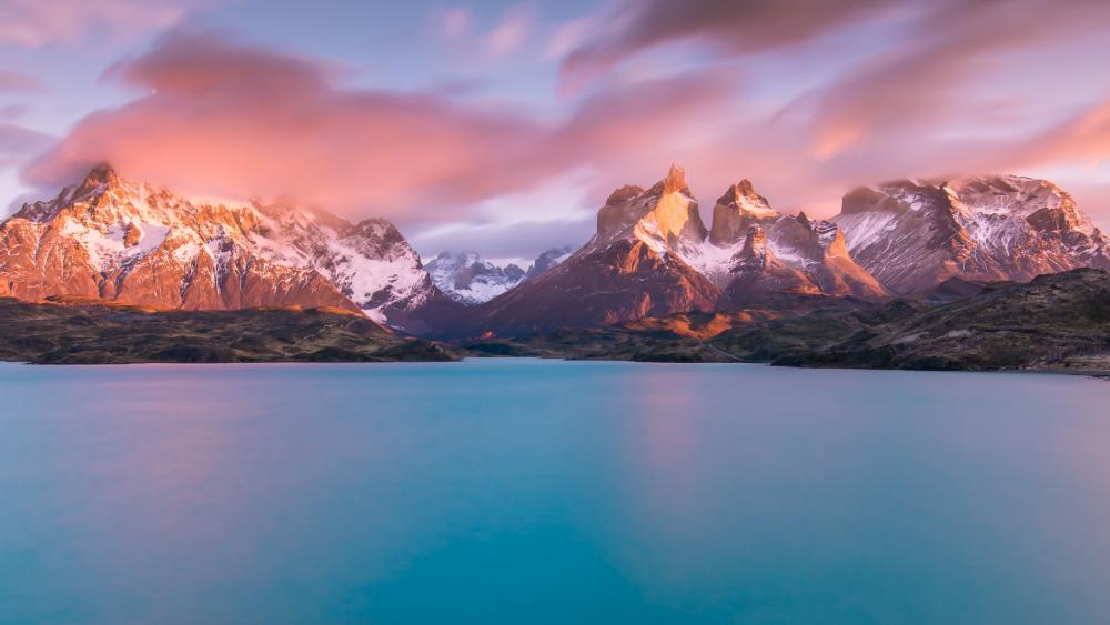 Lake Pehoé (Torres del Paine National Park, Chile) wallpaper