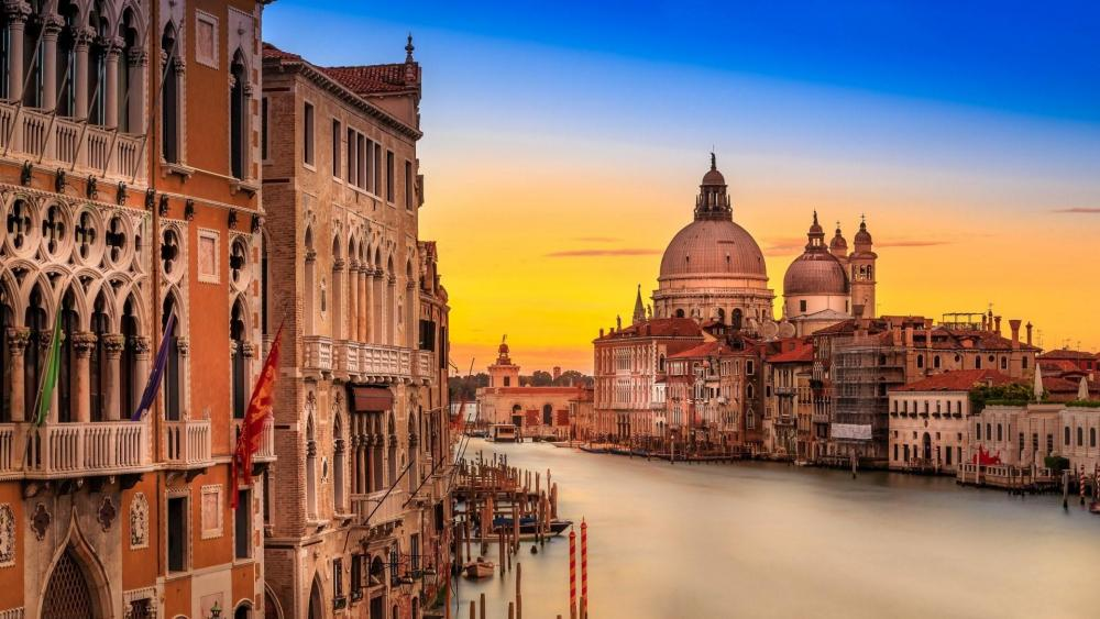 Grand Canal in the sunset wallpaper