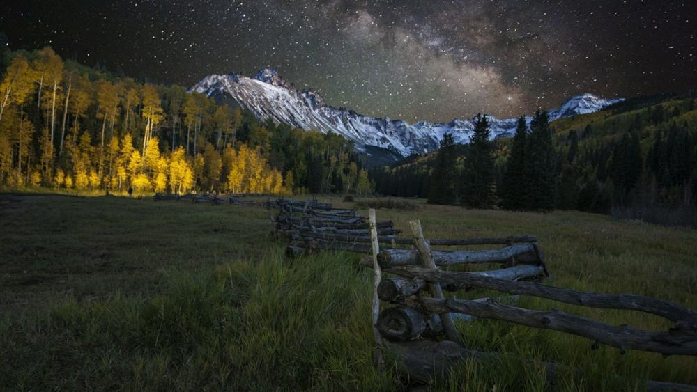 Milky Way over Mount Sneffels near Ridgway, Colorado wallpaper