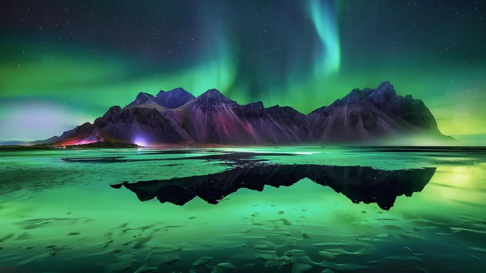 Aurora Borealis over Vestrahorn Mountains wallpaper