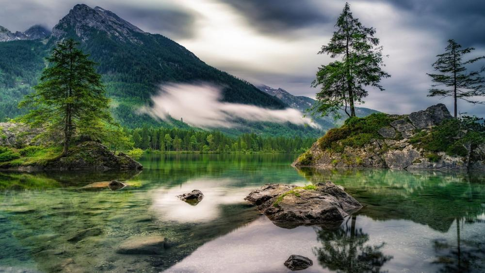 Cloudy day at the picturesque Hintersee (Ramsau, Germany) wallpaper