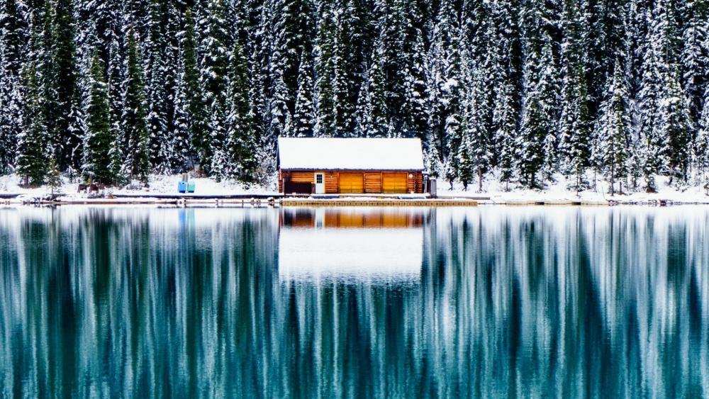 Log cabin at Lake Louise, Banff National Park wallpaper