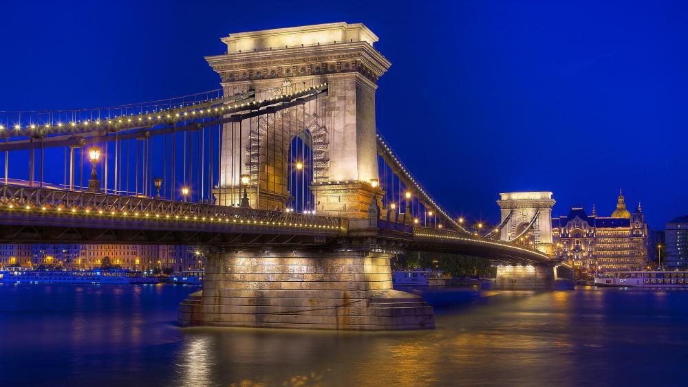 Széchenyi Chain Bridge (Budapest, Hungary) wallpaper