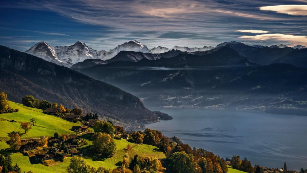 Lake Thun (Switzerland) wallpaper