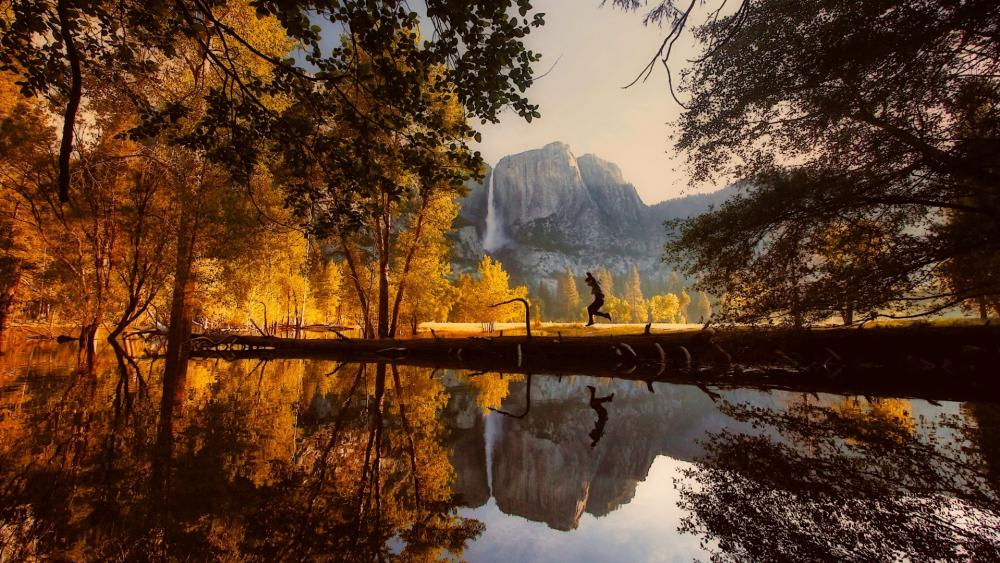 Just before jump into the Merced River wallpaper
